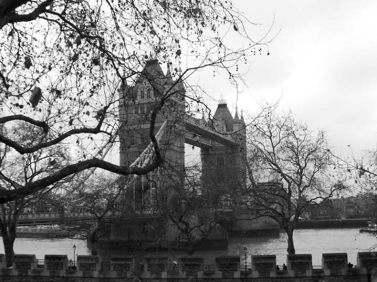 """London Tower Bridge BW ... Foto mia... La scoperta del """"bianco e nero""""..."""