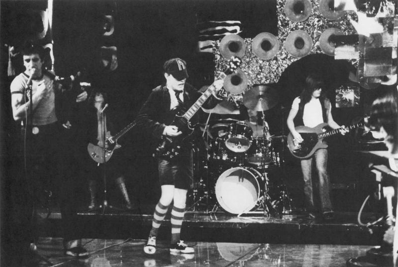 1976ACDC 02 Bandstand