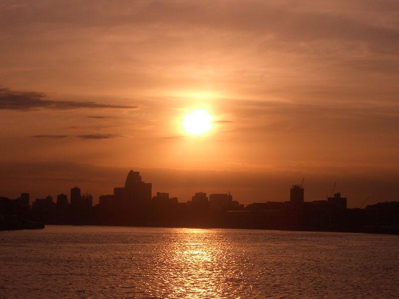 Tamigi al tramonto
