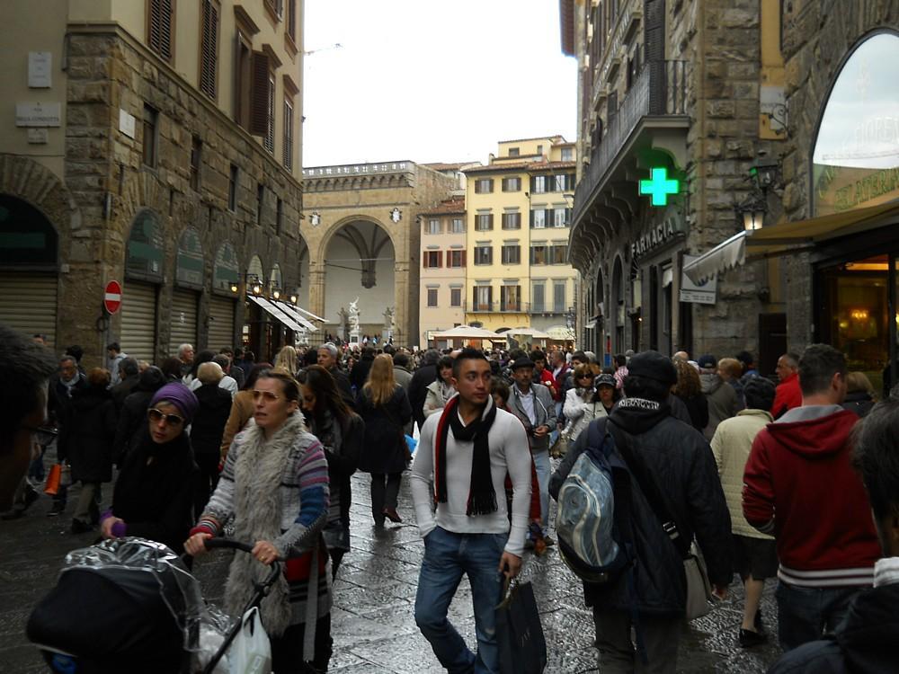 093_-_(Firenze)_Via_dei_Calzaioli.jpg