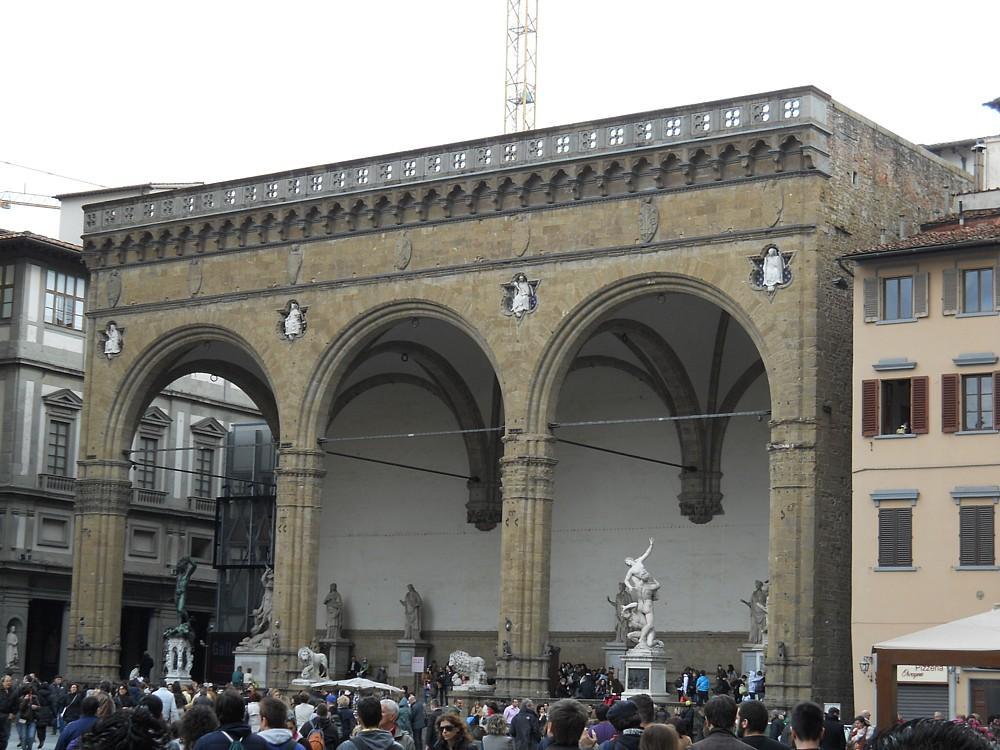 097_-_(Firenze)_Piazza_del_Nettuno.jpg