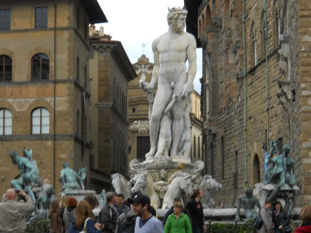 100_-_(Firenze)_Nettuno.jpg