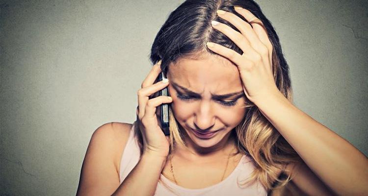 sad-woman-crying-on-the-phone.jpg.fa8ecba0af6204b3cfc10a4213acb155.jpg